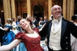 Šokis suglaudus skruostus: Intymi šokio istorija