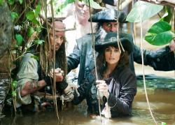 Karibų piratai. Ant keistų bangų